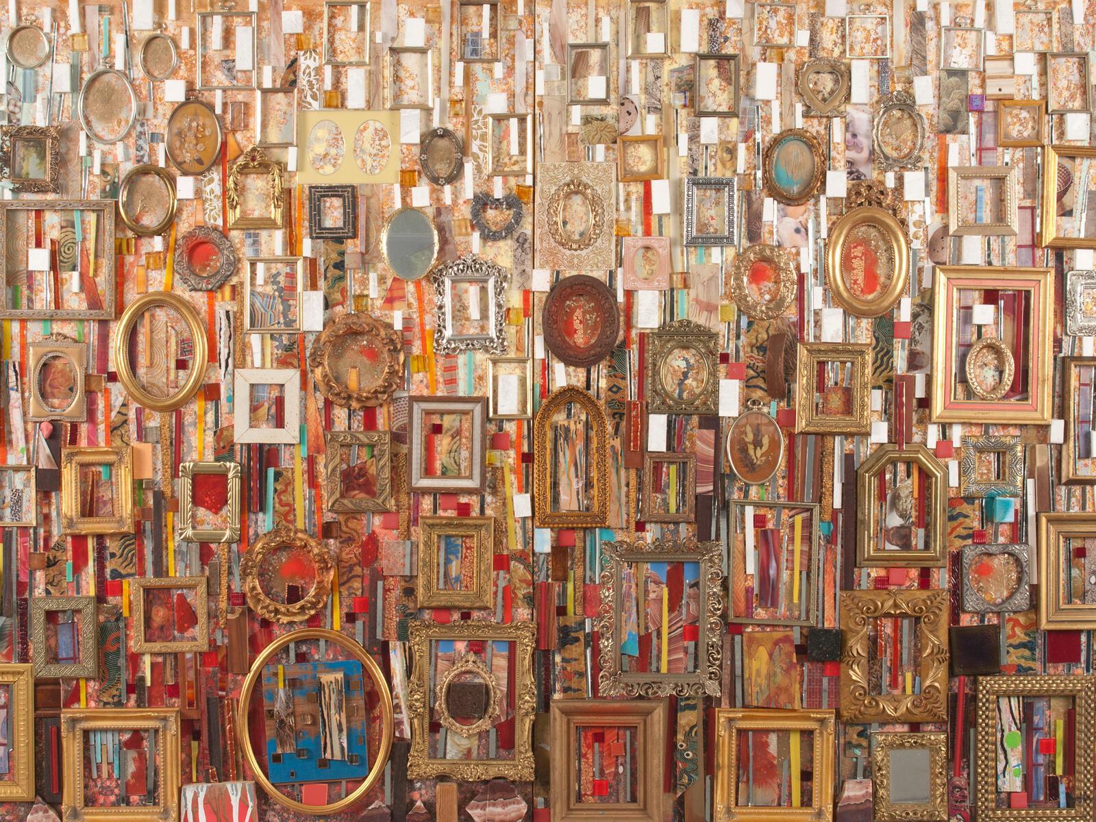 Une composition abstraite de techniques mixtes avec des cadres de différentes couleurs et formes