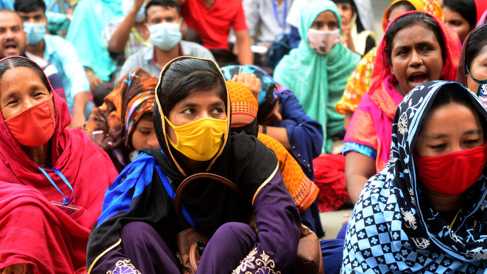 Garment workers demonstrating in Dhaka, Bangladesh, on September 20, 2020. Photo: Mamunur Rashid/NurPhoto via Getty Images.