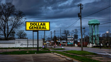 A Dollar General Store in Selma, Alabama. Photo: Barry Lewis/InPictures via Getty Images.